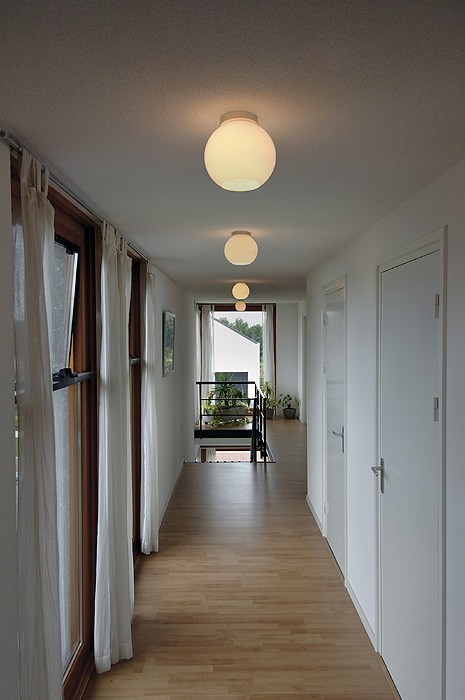 deckenleuchte sun ceiling rund satiniertes glas e27. Black Bedroom Furniture Sets. Home Design Ideas