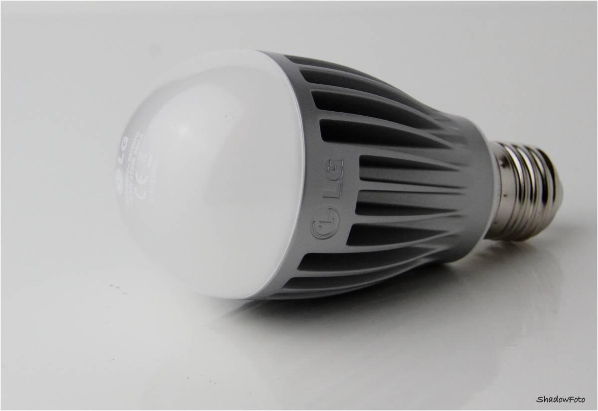 LG LED Birne E27, 12.8W warmweiß, 2700K, 810lm